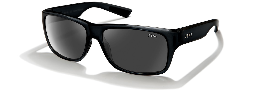 Black Gloss FOWLER angle zeal.pdp.label.view